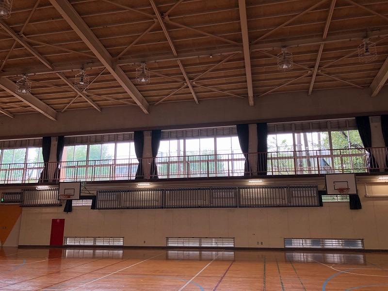 某区立 小学校体育館